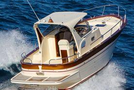 Maresca Sparviero 7 with skipper